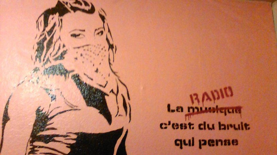20/11/2015 @radiobip_fr 96.9 @cill Contact Prod Besançon