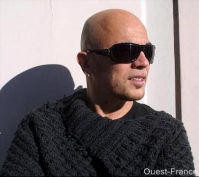 Pascal et ses belles lunettes de soleil !! - Pascal Obispo, mon ... 14ee2da842f4