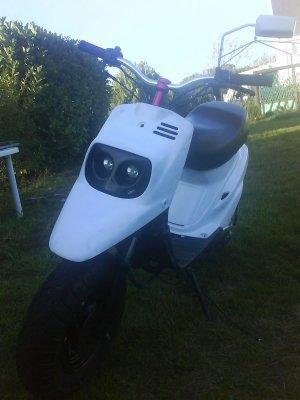 une d premiere voiture a mon bof spirit et moto lui ki a refait entierement !!!!!