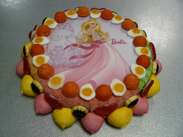 GATEAU EN BONBON BARBIE