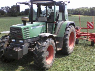 après les mini voici mes tracteurs