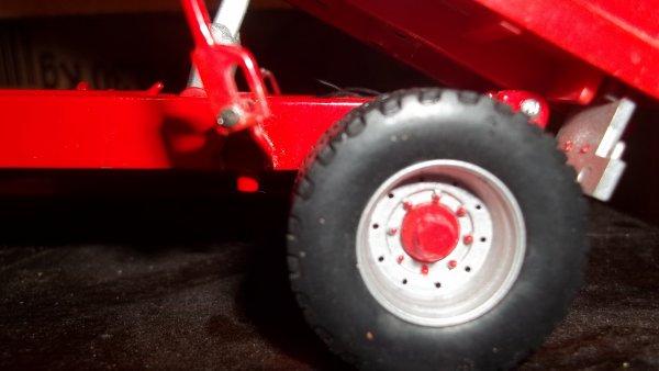 passage de la benne cargo de 2 essieux en simple essieux