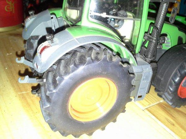 Nouveau pneus pour le 936