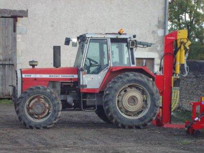 le tracteur de mon cousin mf bien sur !!!