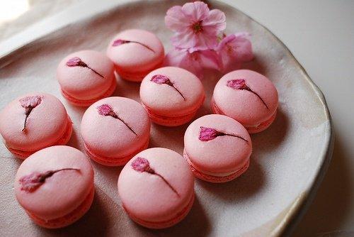 Macarons rose avec fleur incrustée (cherryblossom)