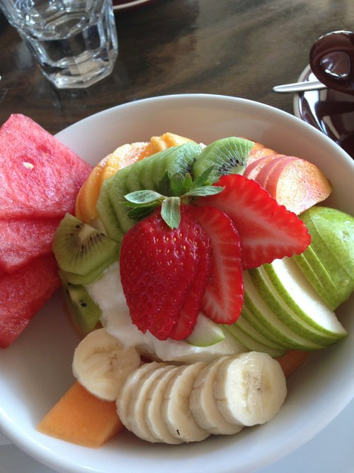 salade kiwi, pomme, pastèque, banane