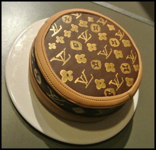 Gâteau Louis Vuitton Chocolat