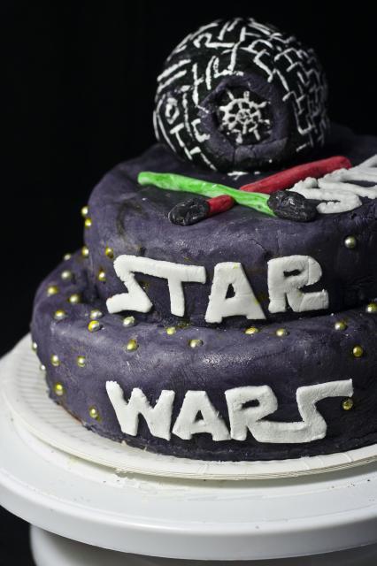 Gâteau Stars Wars pâte d'amande