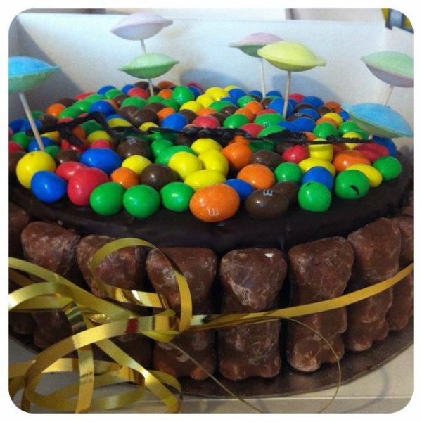 Gâteau M&M'S ourson guimauves chocolat