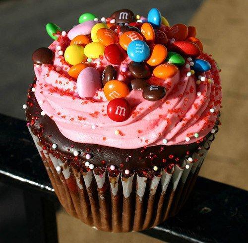 Cupcake M&M'S fourré crème rose