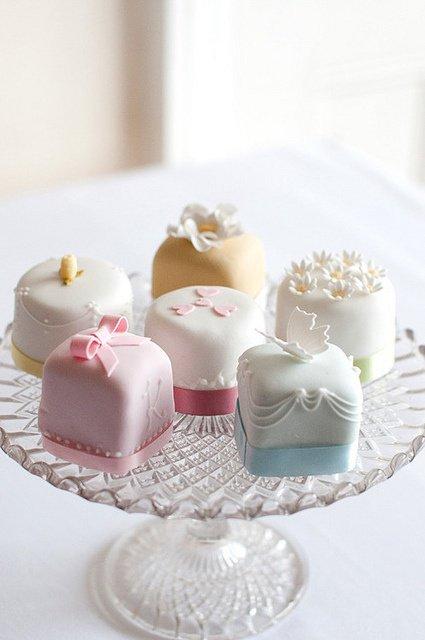 Mini gâteaux de mariage noeud papillon