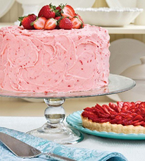 Gâteau crème rose et fraises