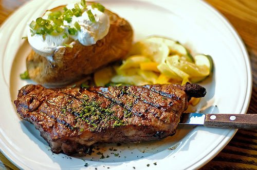 Steak et accompagnement