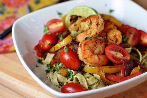 Salade chinoise tomates cerises et crevettes