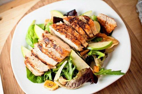 Poulet rôti, et salade