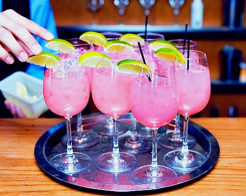 Cocktails pamplemousse, framboise et citron