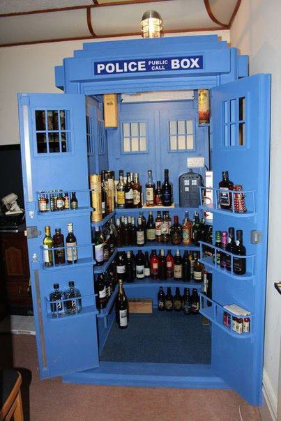 Bar à vin / cave Tardis Police Box (doctor who)
