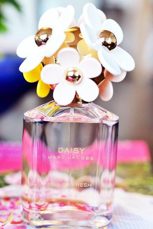 a1ba5363e99d27 Mon parfum préféré   DAISY de Marc JACOBS - BIENVENUE AU PAYS DES ...