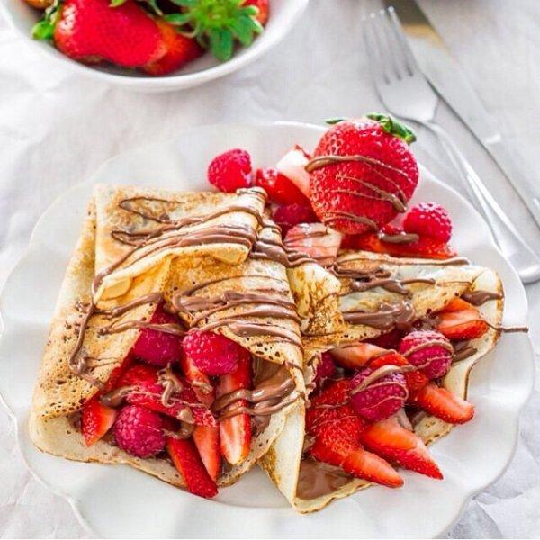 Crêpes fraise et chocolat ! Très gourmand !
