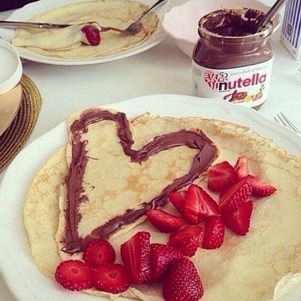 Crepe c½ur chocolat nutella et fraises