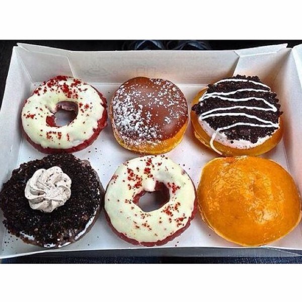 6 donuts gourmands