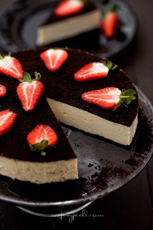Gâteau chocolat noir et fraises