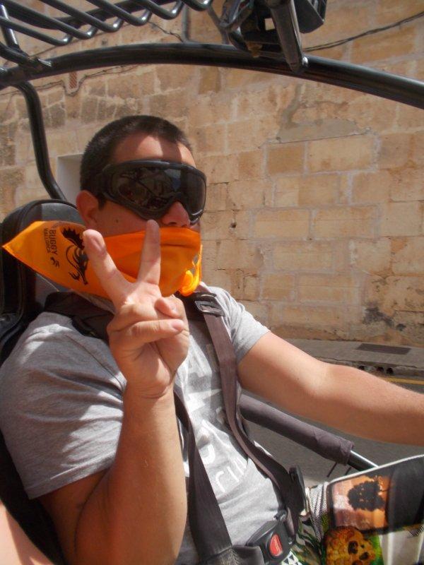 moi qui conduit un buggy