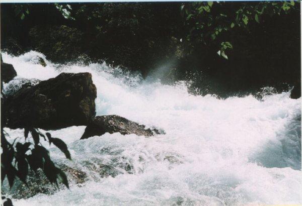 Fontaines de Vaucluse 04.