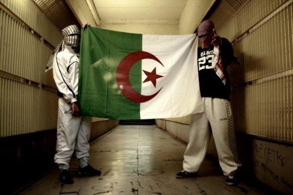 1.2.3 vive l'Algérie Ouiii je suis algérien et alors O_o