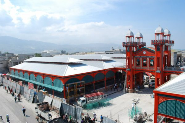 HAITI-RECONSTRUCTION: le marché Hyppolite a été restauré.