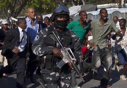 Haiti : une visite surprise du président Michel Martelly aux étudiants de la faculté d'Ethnologie a mal tourné.