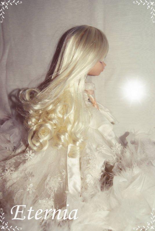 •● ❤ White ❤ ●•