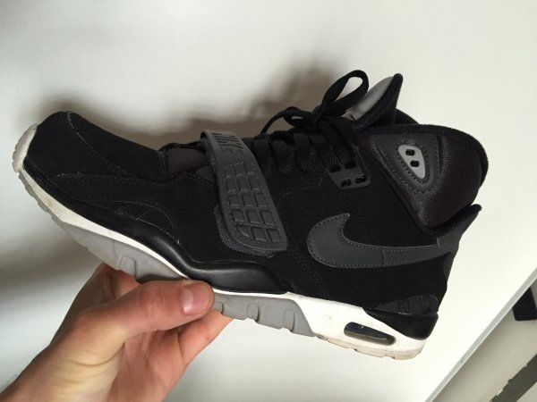 air trainer black grey