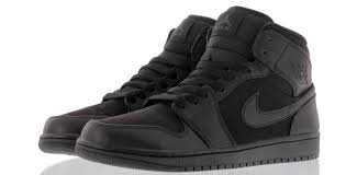 jordan 1 all black