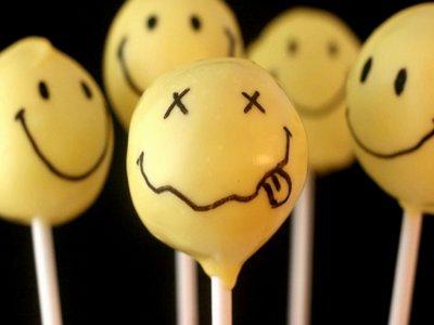 T'auras beau faire semblant d'être heureux ce n'est jamais suffisant.