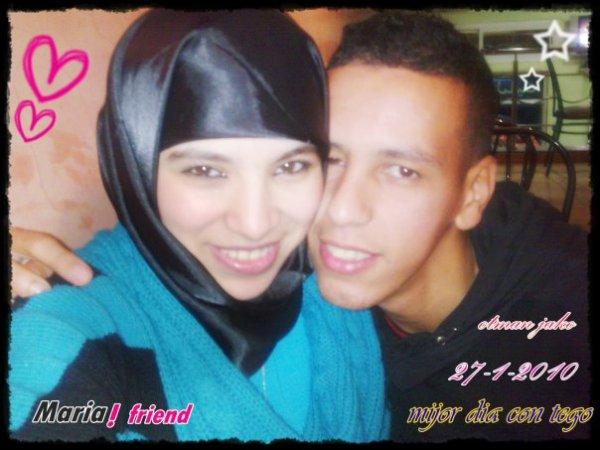 yo con mi amiga maria $)