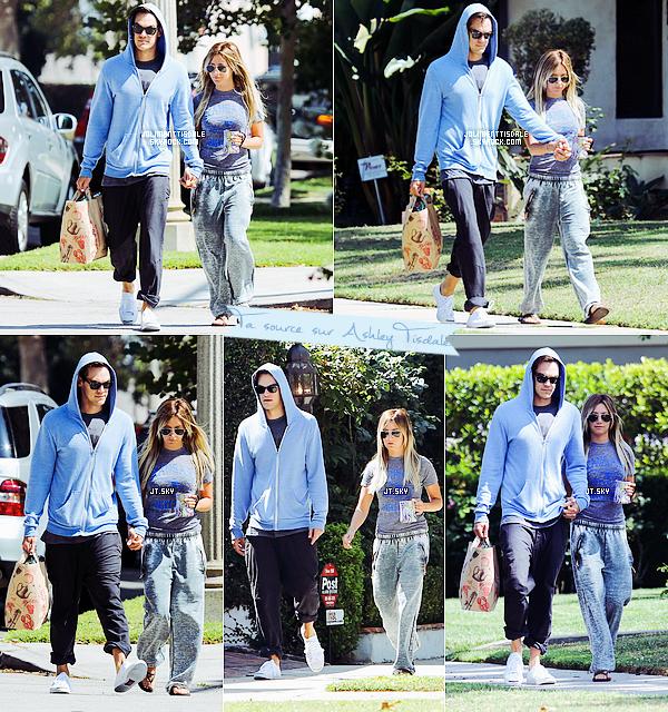 Le 13 Juillet: Le couple faisant des courses au Trader Joe's de Toluca Lake, CA.