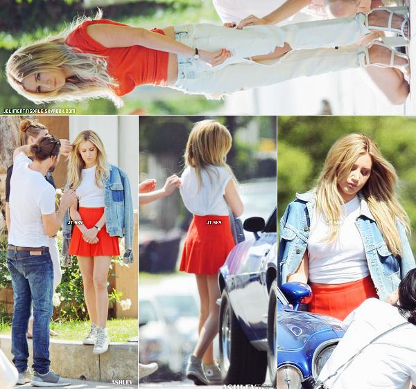 Le 22 Avril: Ashley faisant un shooting photo à Los Angeles, en Californie.