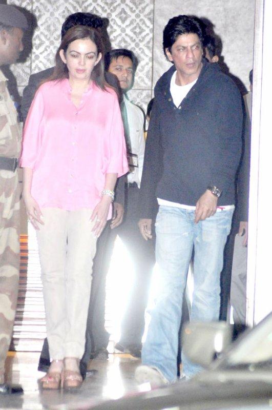 SRK arrêté à un aéroport de New York