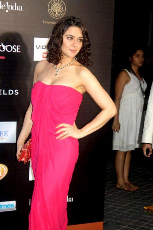 Priyanka Chopra et Preity Zinta  IIFA Awards 2012