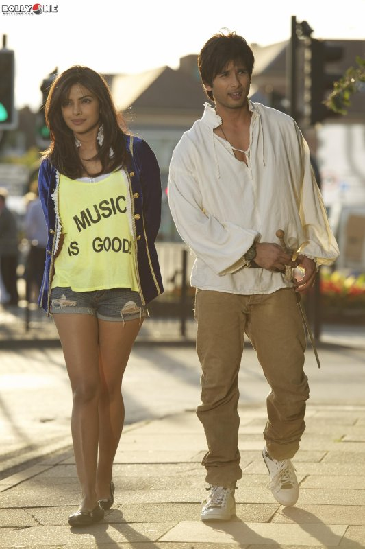 Teri Meri Kahaani Movie Wallpapers