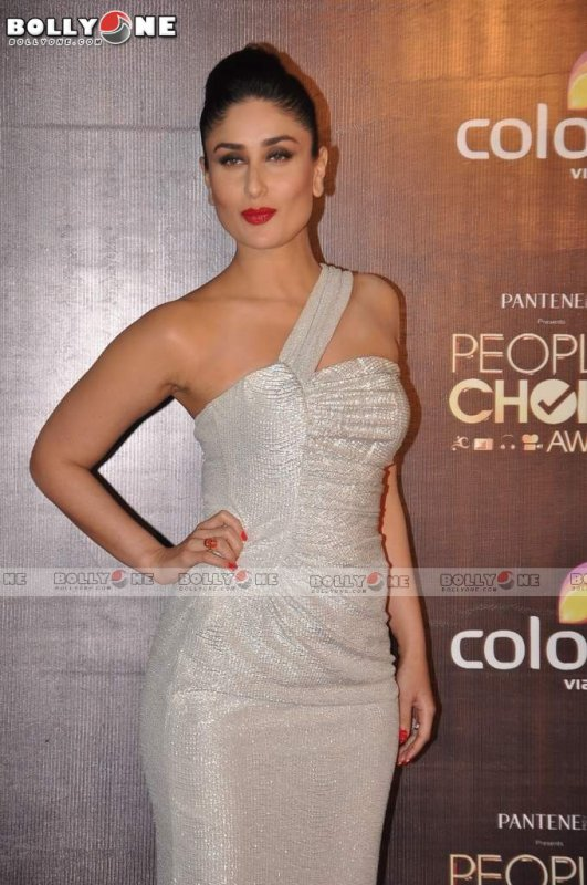 Kareena Kapoor Khan and Priyanka Chopra at People's Choice Awards India 2012