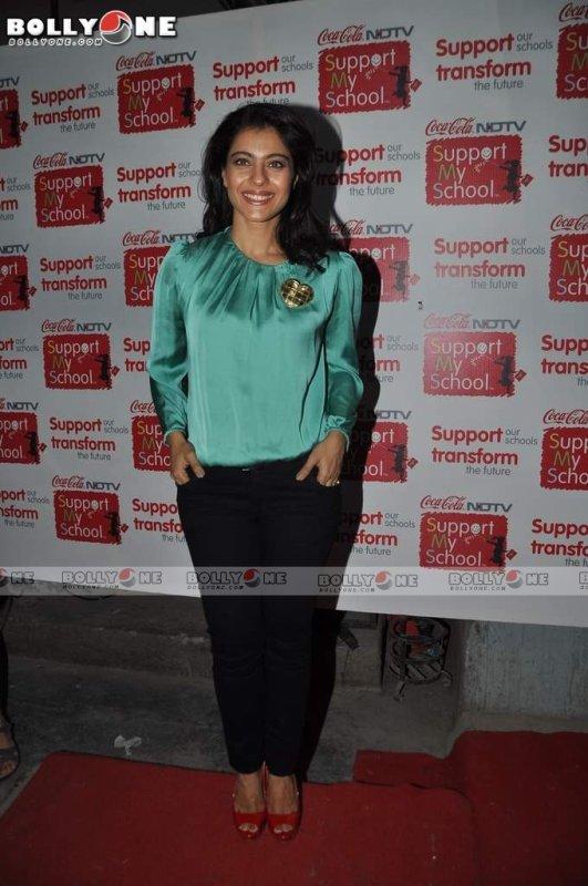 Aishwarya Rai and  Kajol, at NDTV Support My School campaign