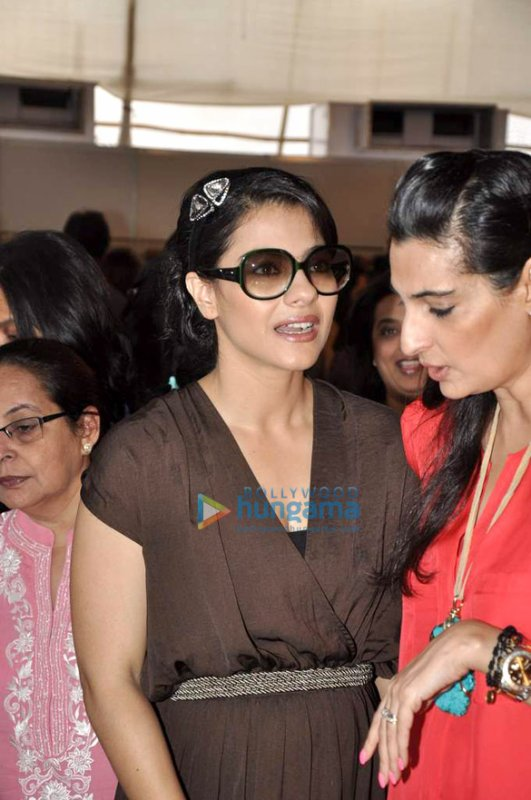 Kajol at Araish's exhibition
