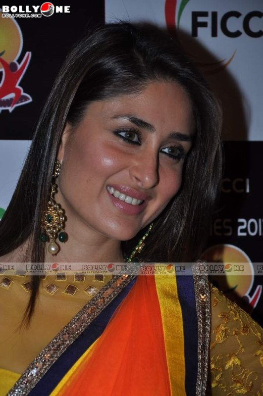 Kareena Kapoor in Manish Malhotra Sari At FICCI Frames Event
