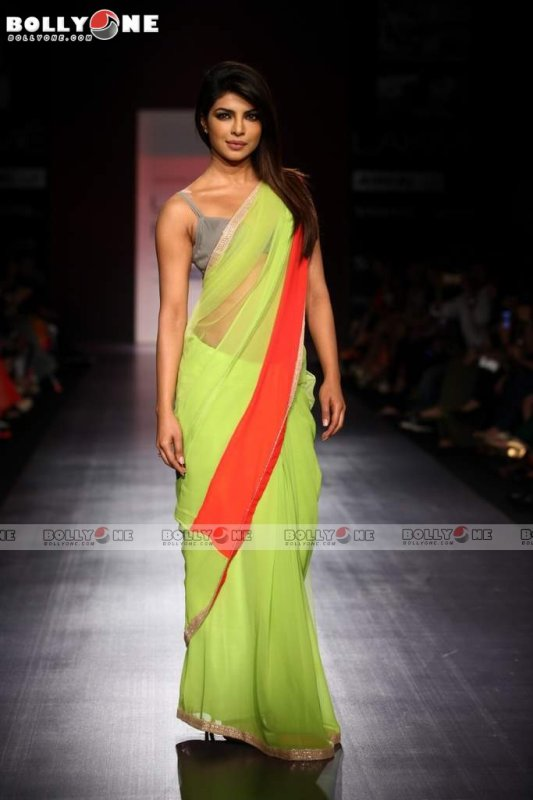 Priyanka Chopra Walks Ramp For Manish Malhotra at the Lakme Fashion Week