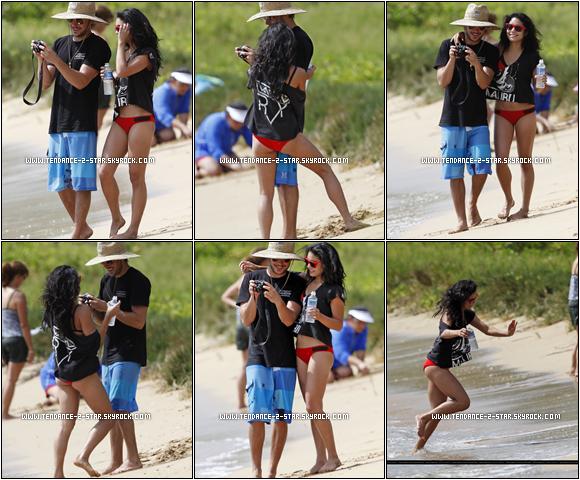 OMFZ ! Zac Efron et Vanessa Hudgens sont actuellement en vacances en couple à Maui, Hawaii ! Ils ont été photographiés sur une plage, très complices, se prenant en photos, et dans l'océan (21 août).