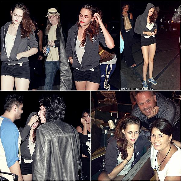 07.10.12 : Kristen et son Papa ont étaient à un concert de Florence and The Machine.