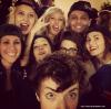 09.02.13 : Kristen avec ses amis dans les coulisses du concert  d'Ellie Goulding !