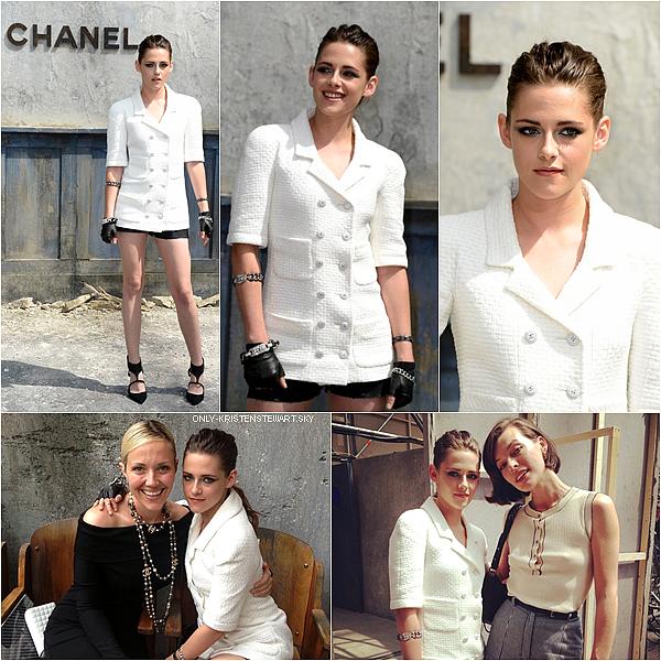02.07.13 - Kristen s'est rendue au défilé de la haute couture Channel (automne 2013) à Paris :